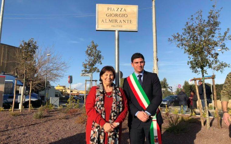 Ladispoli: inaugurata Piazza Giorgio Almirante, protestano gli antifa